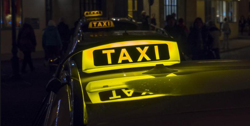 Самозанятые просят разрешить им работать в такси наряду с ИП