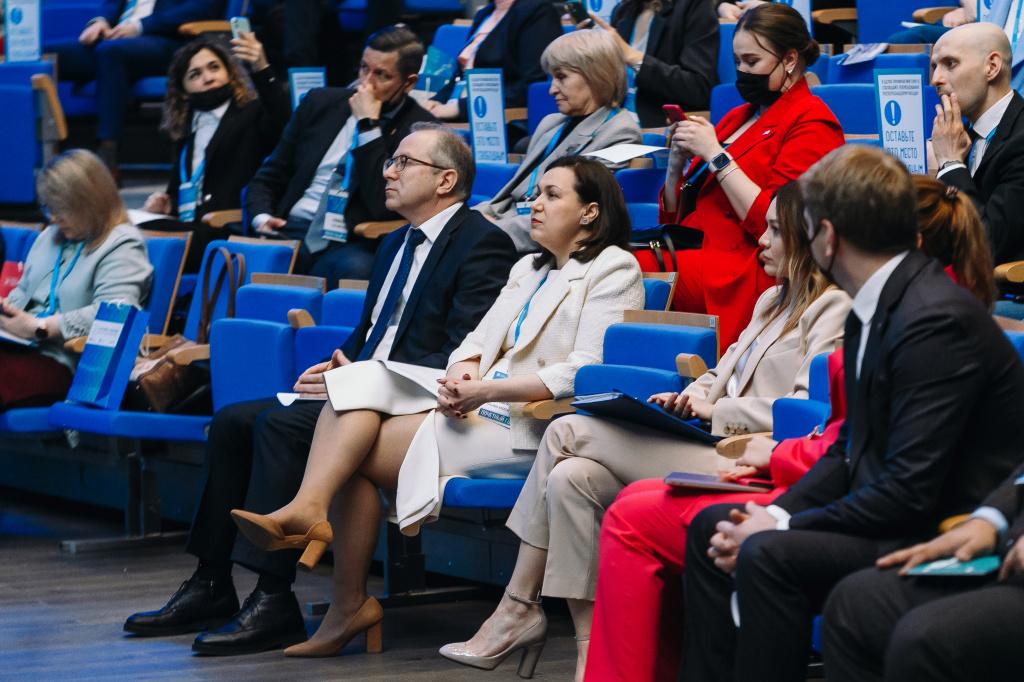 Татьяна Илюшникова назвала высококвалифицированные услуги и коворкинги «магнитом» центров «Мой бизнес»