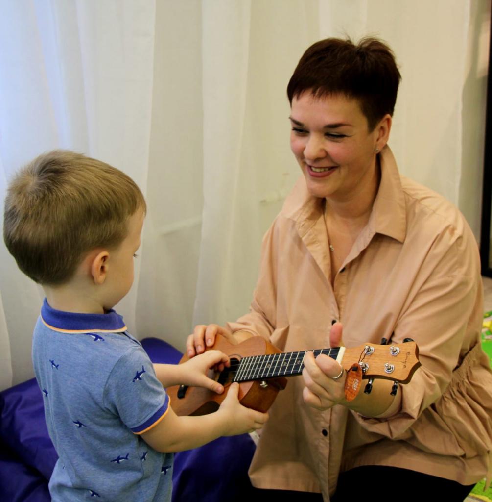 Самозанятая из Якутии Нина Кормишина рассказала о важности музыкального воспитания
